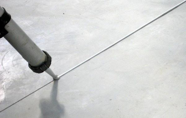 Pavimenti Industriali In Resina Epossidica : Riparazione e sigillatura giunti carrabili di pavimenti