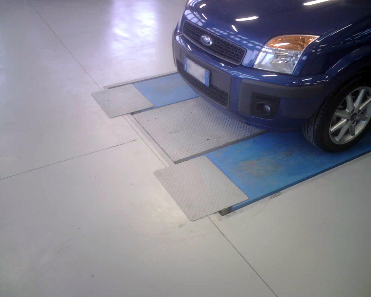 Pavimentazione officina meccanica guida materiali edili
